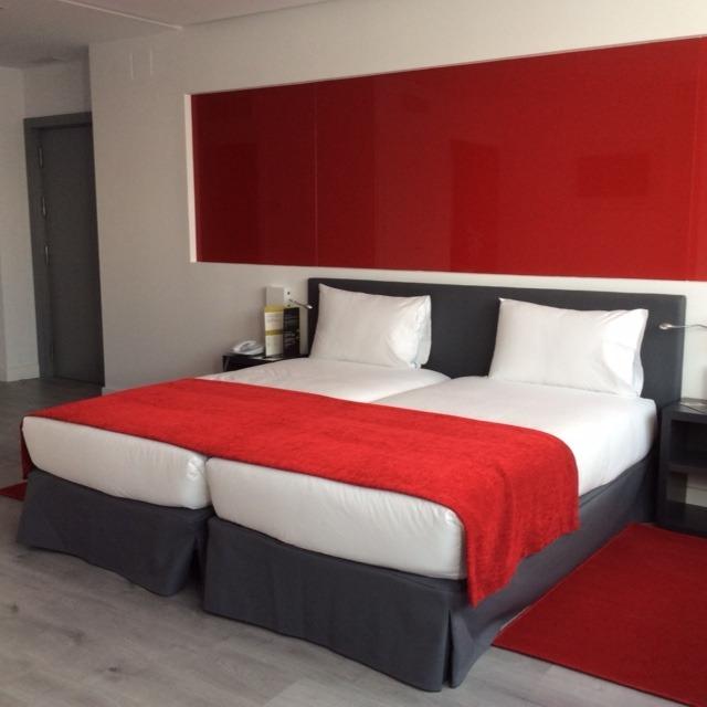 suministro y confección plaids hotel